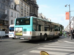 Bus Parisien by wirewiping