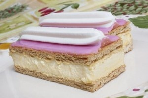 Dutch pastry Tompouce by Gertan