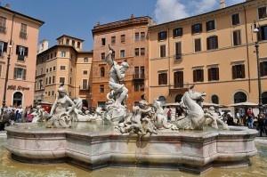 Font a la Piazza Navona by Rafel Miro