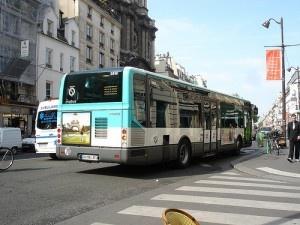 Bus Parisien by wirewiping