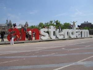 I amsterdam by Nicholas Doumani