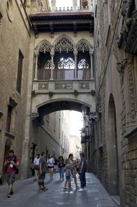 Carrer del Bisbe by katherineprice