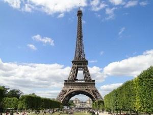 Eiffel Tower by dvpfagan