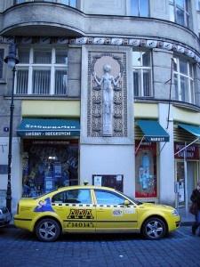 Taxis by Daquella manera