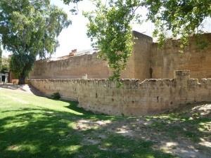 20120606-Sevilla-040-Calle_Munoz_Leon-Ou de_stadsmuur by arjanveen